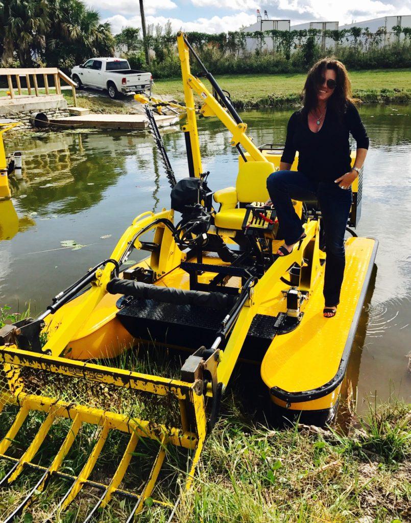 Weedoo TigerCat Workboat with Root Rake